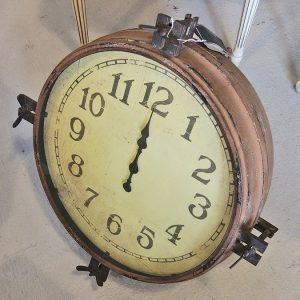 Reloj naval